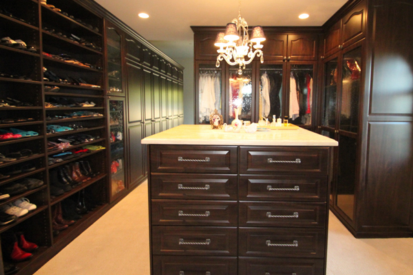 Awesome Walk In Closets. Old World Traditonal Look In Brown Pearwood   Seeded Glass  Doors